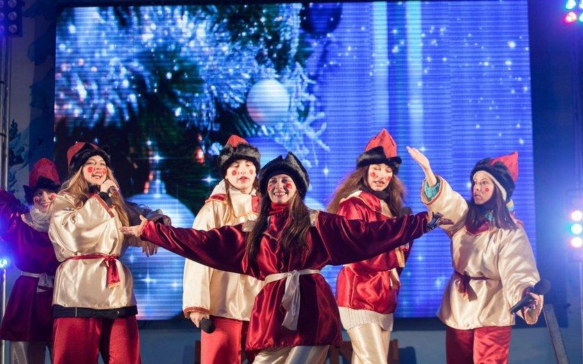 XIРождественская Ярмарка наПионерской площади 2016