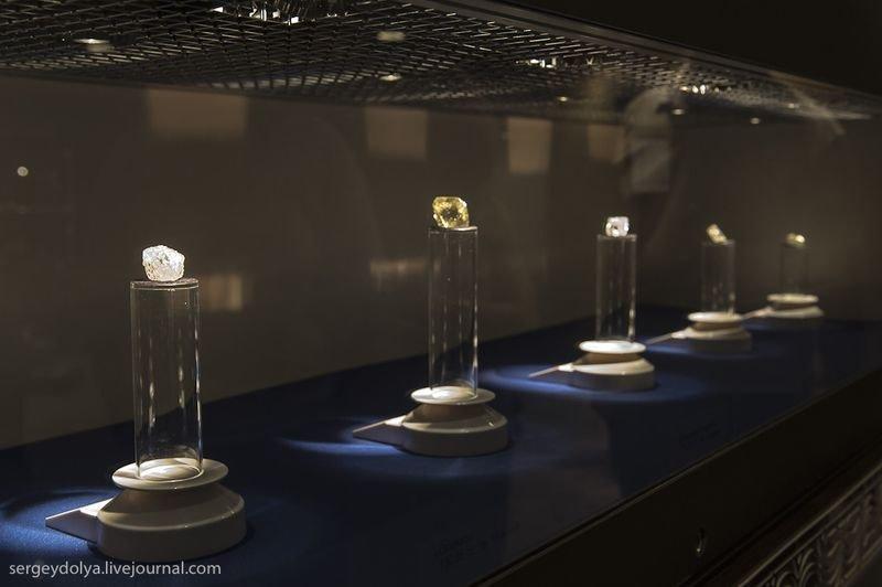 Выставка «Сокровищница Республики Саха вСанкт-Петербурге»