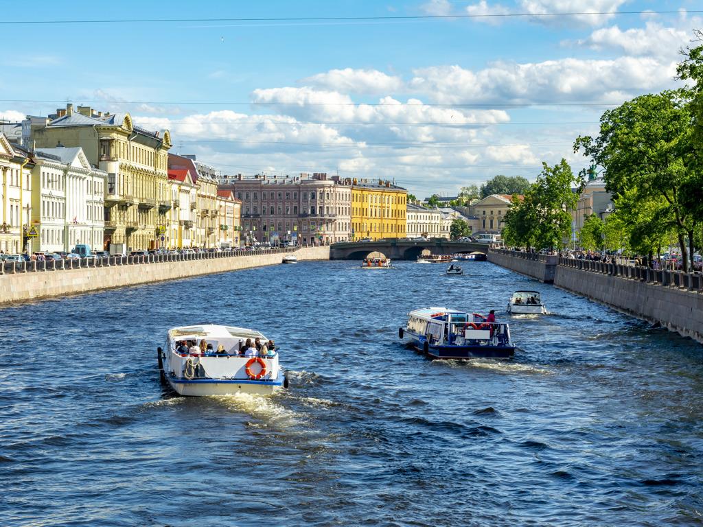 Прогулка натеплоходе «Северная Венеция»: реки, каналы имосты