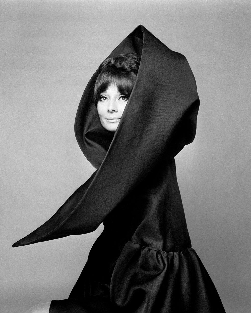 Выставка «Мода ивымысел» Джан Паоло Барбьери