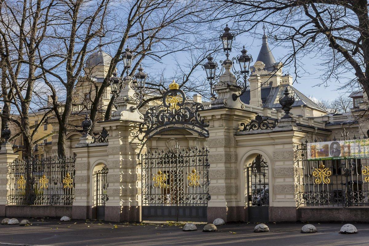 Экскурсия Парадные интерьеры Алексеевского дворца