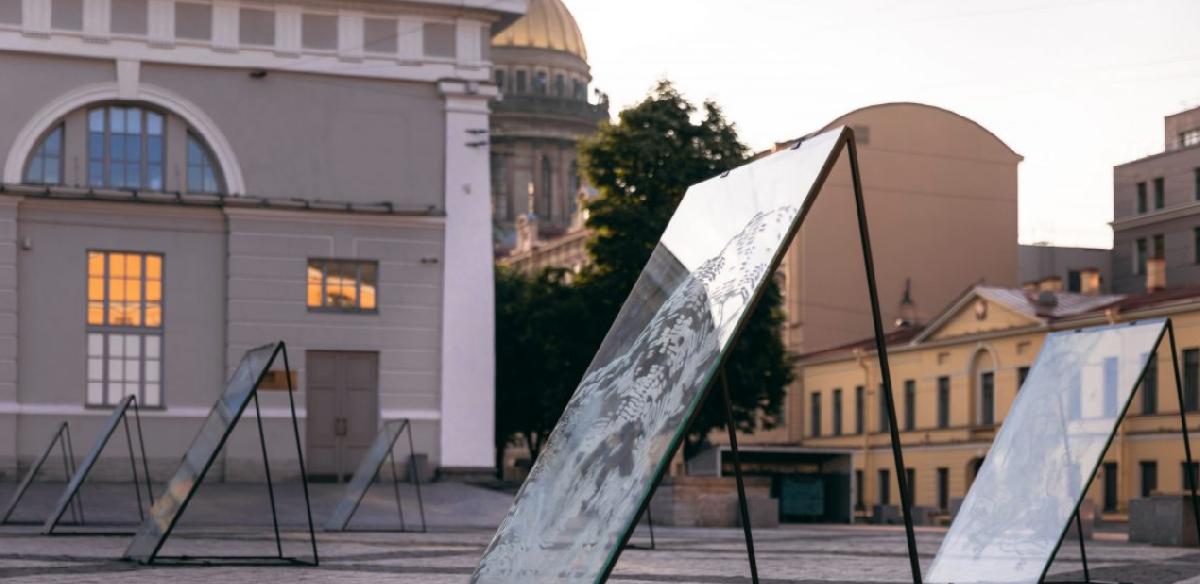 Выставка «Стекло» уМанежа лето 2021