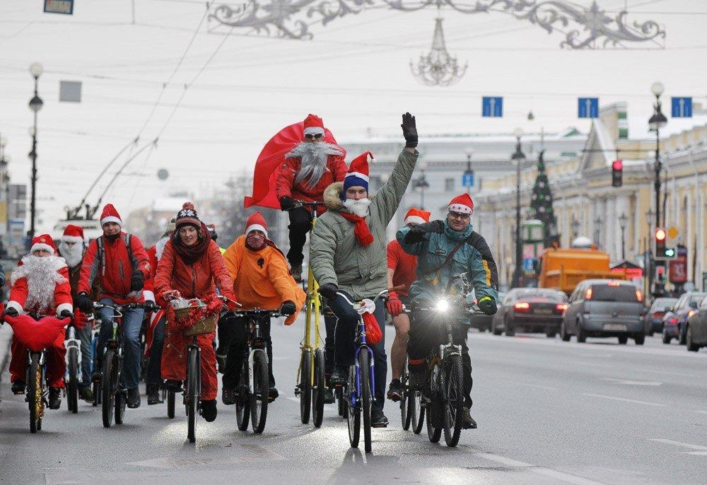 Велопарад Дедов Морозов иСнегурочек 2017