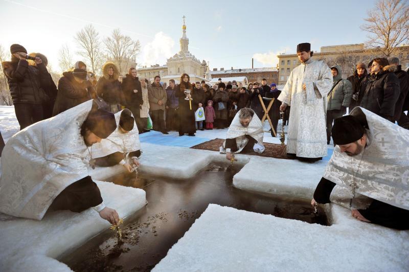 Крещенские купания вСанкт-Петербурге 2017