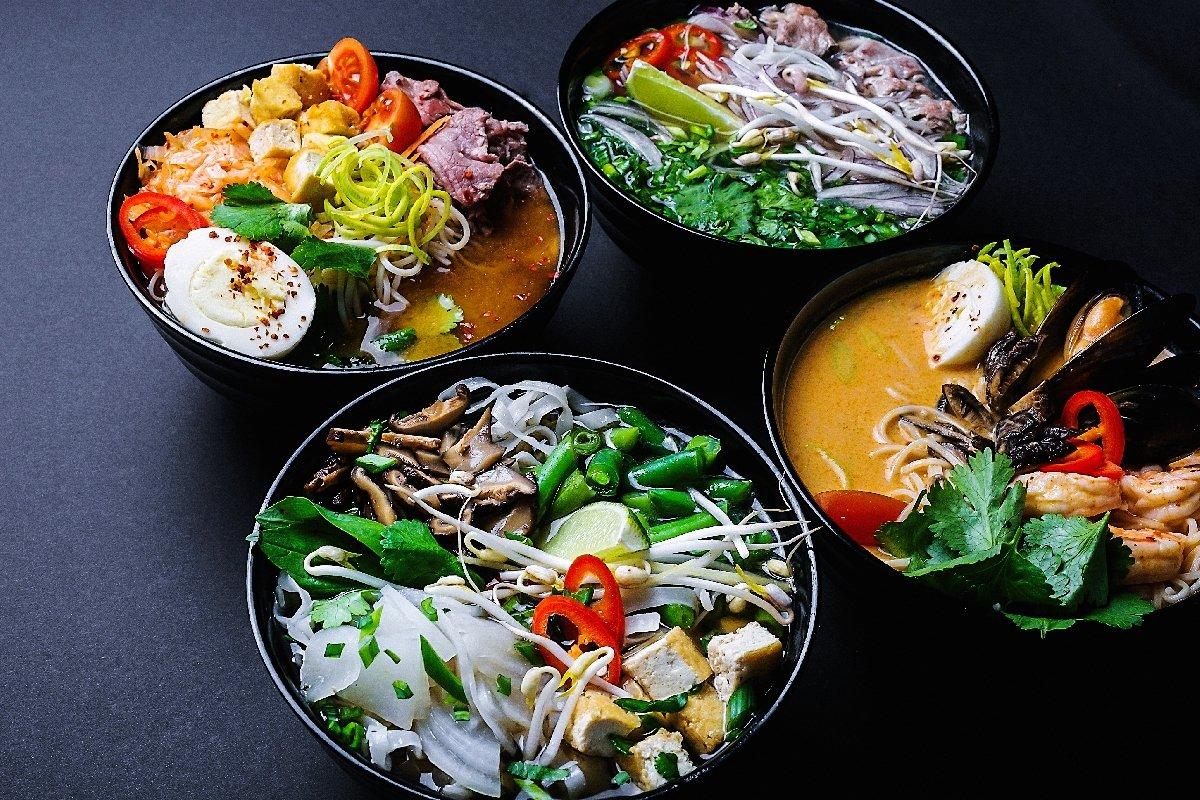 Открытие стрит-фуд кафе Joly Woo
