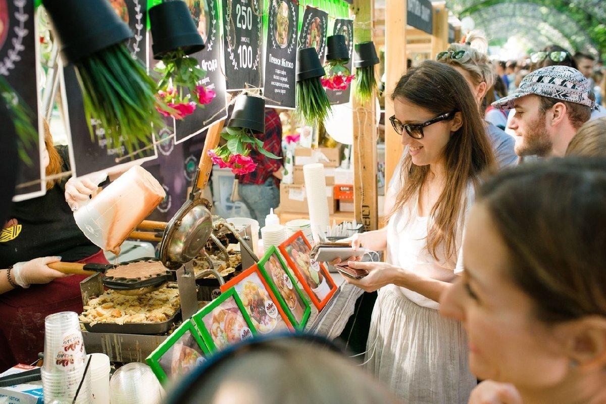 Фестиваль «О, да! Еда! Foodball-маркет наКрестовском»