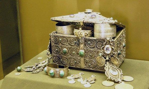 Выставка «Клады Древней Руси всобрании Русского музея»