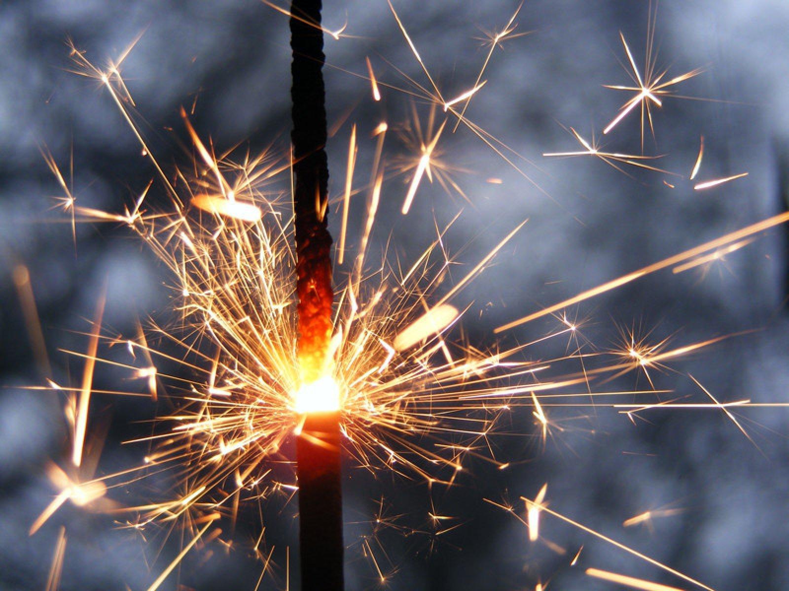 Бенгальские огни поздравления